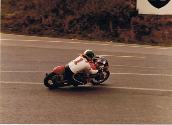 Giacomo AGOSTINI à Charade lors du GP France 72
