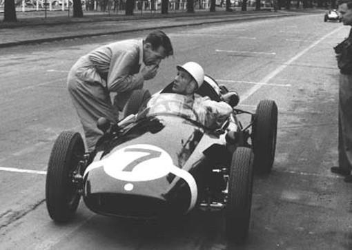 Sir Stirling MOSS soutient le Circuit de Charade